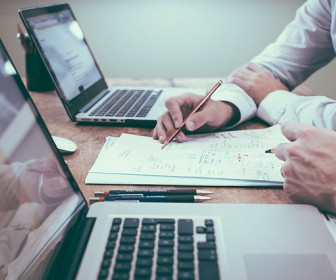Czym się kierować wybierając oprogramowanie dla firmy?